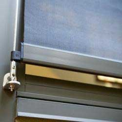 Cheap Alpha Wire Guide Roller Blind In Docril Acrylic
